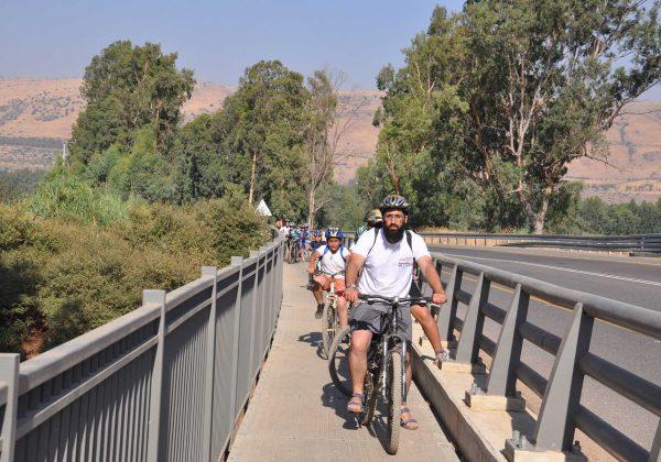 טיול אופניים ובריכה